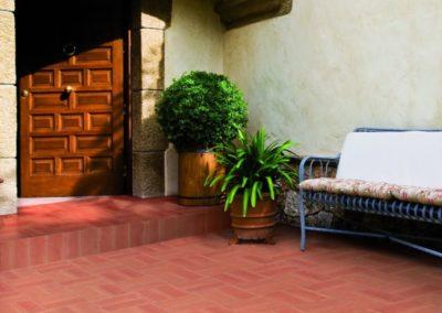 IlFerrone-terracotta-floor-outdoor