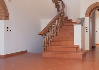 Interior-traditional-terracotta-stairs