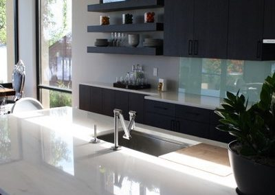 Modern-kitchen-marble-countertop
