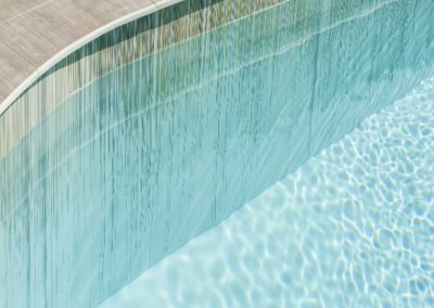 laminated-gres-porcelain-slab-outdoor-pool-detail
