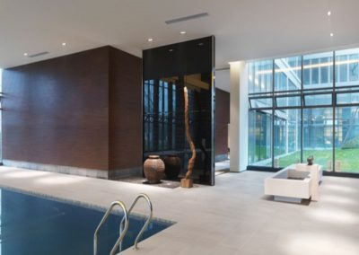 porcealin-stoneware-tiles-flooring-around-pool