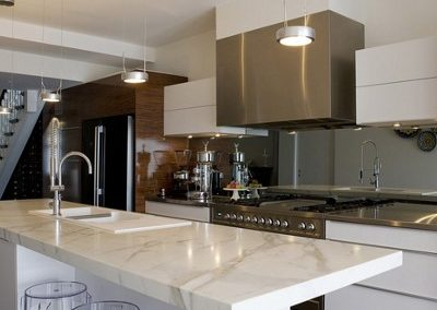 white-marble-countertop-modern-kitchen