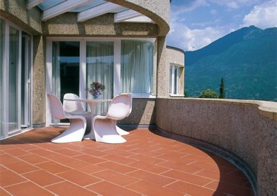Balcony-traditional-cotto-with-rustic-surface-600x600