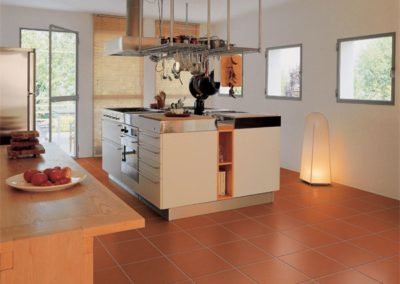 Kitchen-floor-cotto-with-stain-resistant-finishing-600x600
