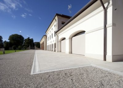 Natural-stone-exteriors-drain-special-parts-640x444