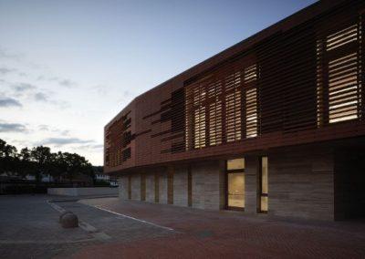 building-facade-cladding-terracotta-sunscreen