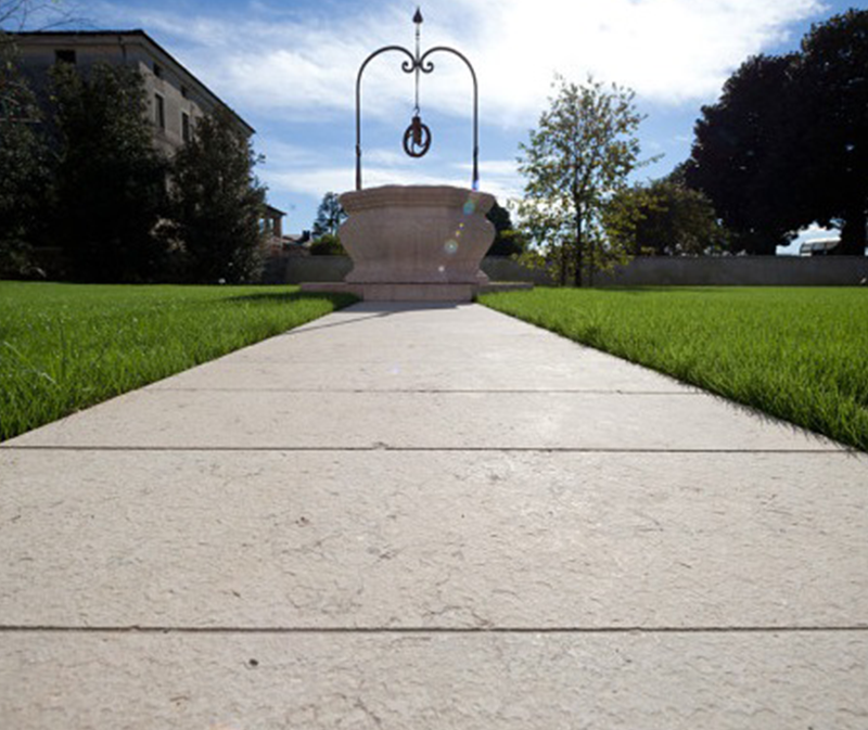 outdoor-flooring-flamed-grolla-marble